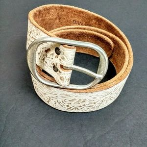 Banana Republic distressed tooled leather belt M